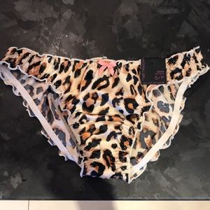 2/$10 🎈 Material Girl underwear